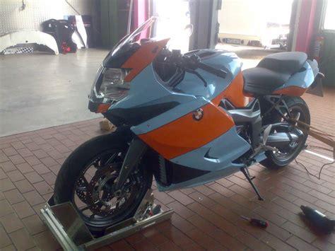 Folienbeklebung Motorrad by First Place Werbe Marketingagentur Vollfolierung