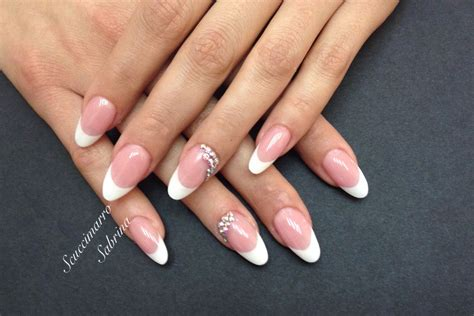 gel senza lada unghie in gel unghie da salone mandorlina in gel nails