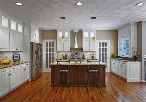 crown moulding above kitchen cabinets crown molding cabinet kitchen childcarepartnerships org