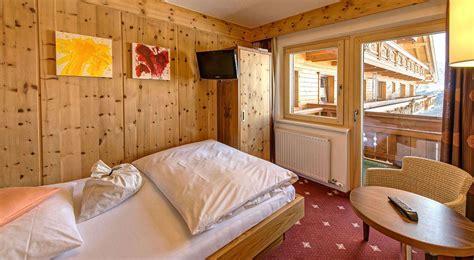 wie ein familienzimmer gestaltet skihotel 214 tztal tirol hotel s 246 lden 214 tztal 220 bersicht