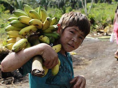 mengintip kehidupan anak anak suku  tinggal