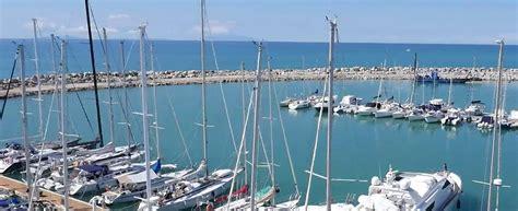 porto cecina base toscana porto di cecina