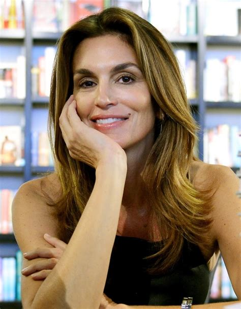 becoming cindy crawford cindy crawford picture 79 cindy crawford signs copies of her book becoming