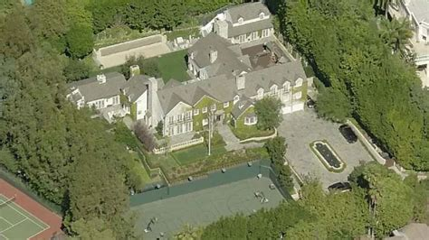 tom cruise house tom cruise sells his beverly hills estate for 40 million