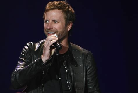 take it on back dierks bentley how the song black inspired dierks bentley s entire new