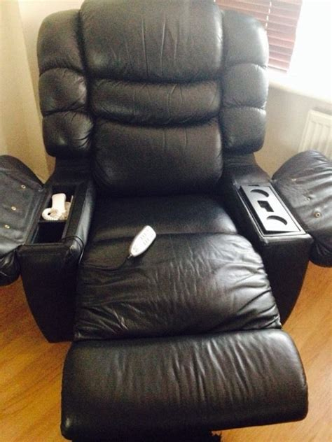 lazy boy recliners massage chairs two lazy boy reclining chairs heat massage fridge