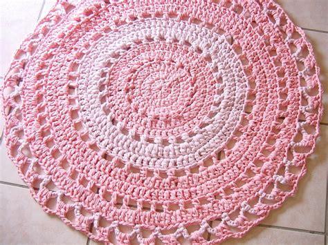 tappeti uncinetto tappeto fettuccia uncinetto rosa per la casa e per te