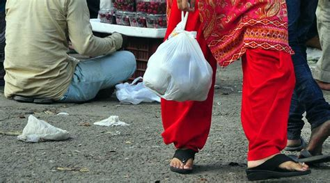 Plastic Ban In Maharashtra Maharashtra S Plastic Ban May Render Three Lakh