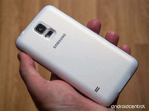 samsung galaxy s5 charger the samsung galaxy s5 official wireless charging cover android central