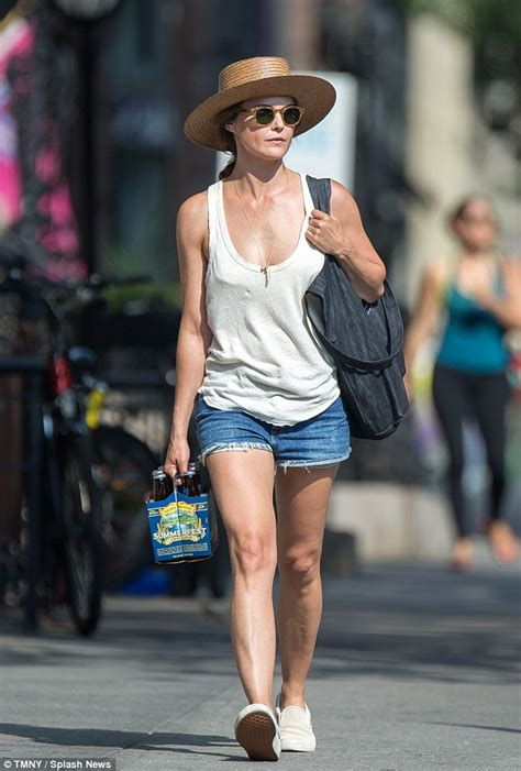 keri russell on instagram keri russell keeps cool in shorts and a tank top as she