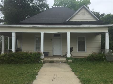 rooming houses houston found dead in macon boarding house 13wmaz