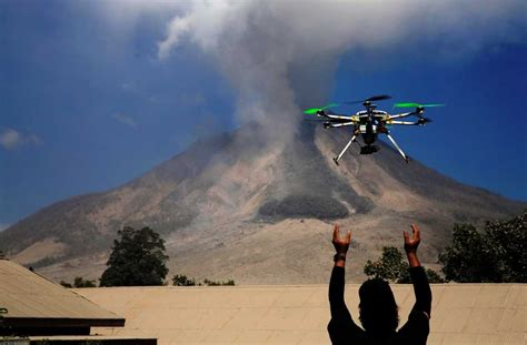 Ar Drone Di Indonesia aig gets ok to use drones for risk assessment business insurance