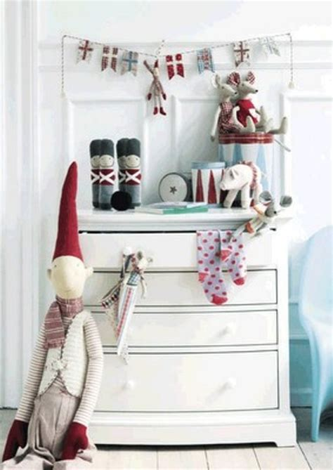 White Black And Red Kitchen - 76 inspiring scandinavian christmas decorating ideas digsdigs
