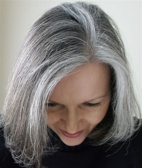 how to grow in gray hair with highlights growing out colored hair to grey wonderful jpg 1733 215 2048