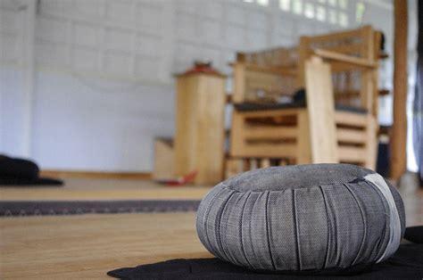 cuscino da meditazione meditazione zen il portale italiano sulla meditazione