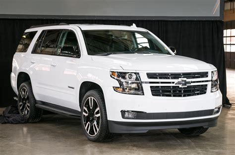 chevy suburban 2018 2018 chevrolet tahoe and suburban rst look motor trend
