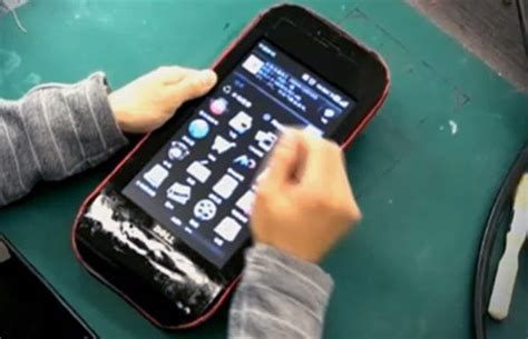 largest android phone dell netbook gets transformed into world s largest android phone techeblog