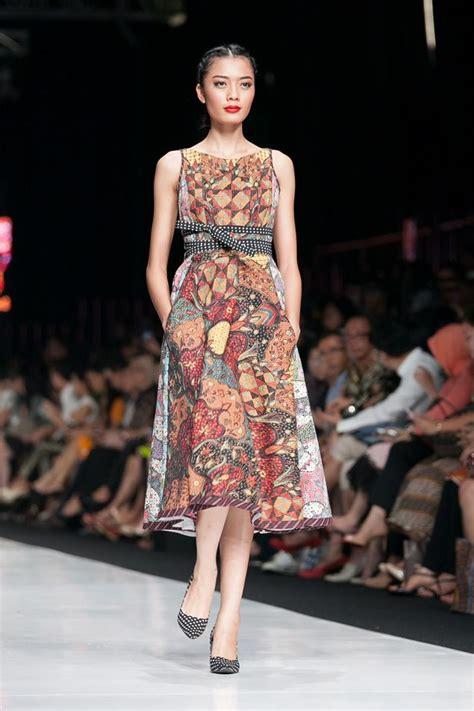 Fashion Wanita Kebaya Dress jakarta fashion week 2014 edward hutabarat the actual