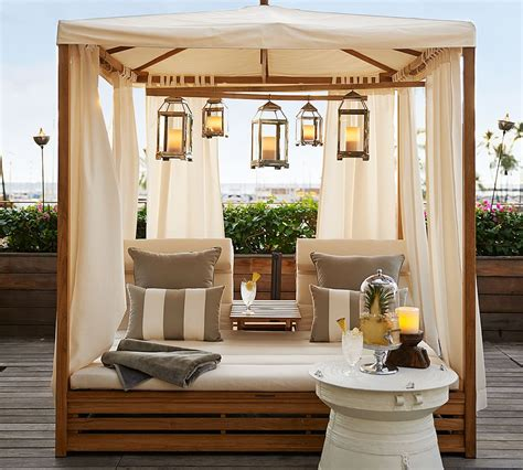 Bring the Indoors Out! 5 Tips for Designing Your Outdoor