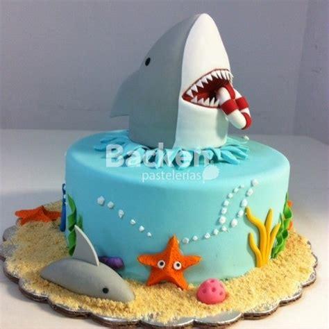 baby shark fondant pasteles de tiburones pasteles de tiburones pinterest
