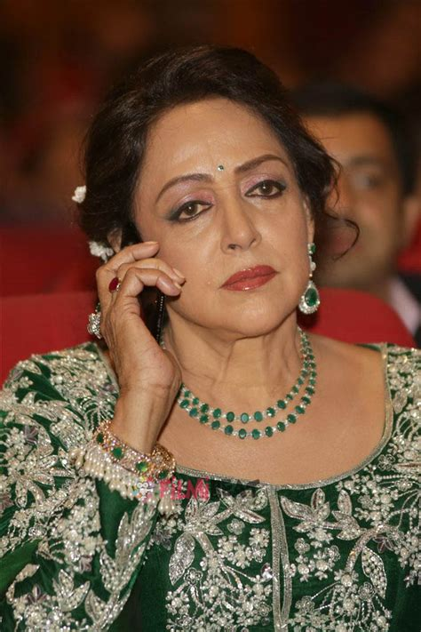 hema malini photos hema malini at red carpet of her show hema