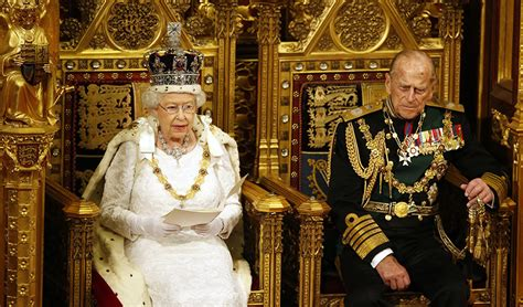 Princess Throne Chair Resplendent Queen Opens Parliament With Traditional Pomp