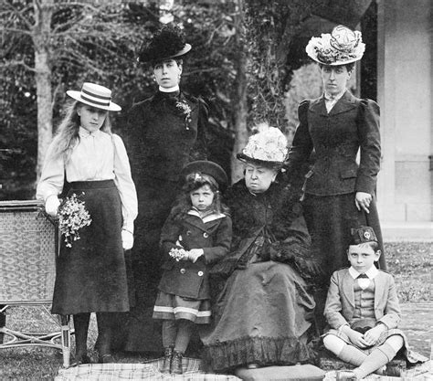 middle the family years 1969 1999 books file victoriabattenbergshessians jpg wikimedia commons