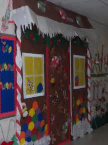 Gingerbread House Door Decorations by 22 Best Gingerbread House Door Decorations Images On