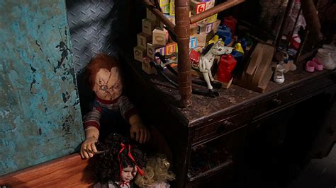 chucky doll house tours reveal some of the secrets of halloween horror nights 24