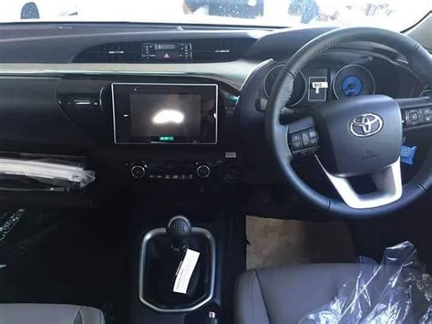 Fortuner Airbag Setr Komplit Camry Airbag Setir Komplit yuk simak foto dan fitur toyota hilux 2015 baru komplit lho