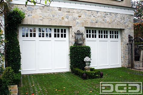 coastal cottage 06 custom architectural garage door