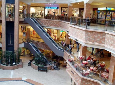 orario porte franche centro commerciale le porte franche