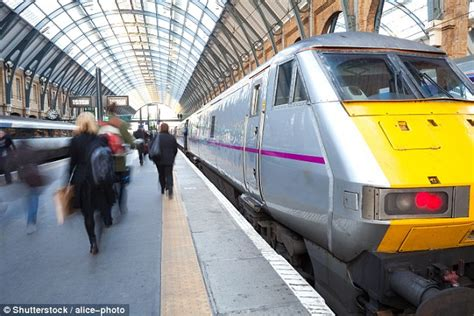 thameslink season ticket fares for season tickets are set to rise by up to 163 260