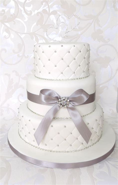 Wedding Cake Quilting by White Quilted Wedding Cake With Diamantes Brooch And Bow