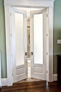 bathroom doors ideas 25 best ideas about bathroom doors on sliding