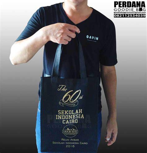 Kain Spunbond Jakarta tas souvenir spunbond sablon gold di jakarta perdana