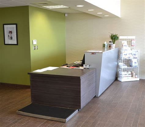 Veterinary Reception Desks Veterinary Clinic Design Search If We Could Find A Way To Put The Scale Beside The