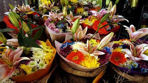 Dangwa Deals: P100 Flower Arrangements And More   RL