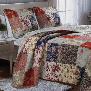 Country Style Bedspreads And Quilts Pics Photos Country Style Quilts And Bedding