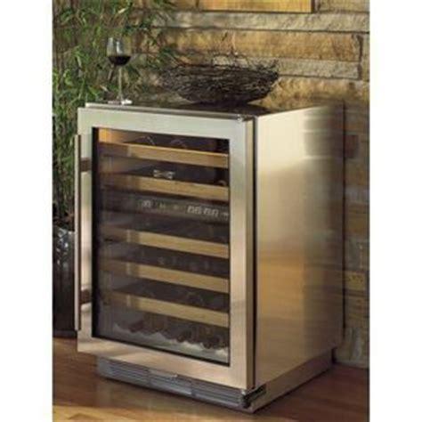 sub zero wine cooler s424fsgthrh wine cooler wine cooler beverage center