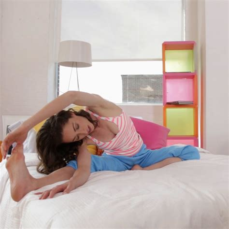 best 20 stretches before bed the 6 best stretches to do in the morning