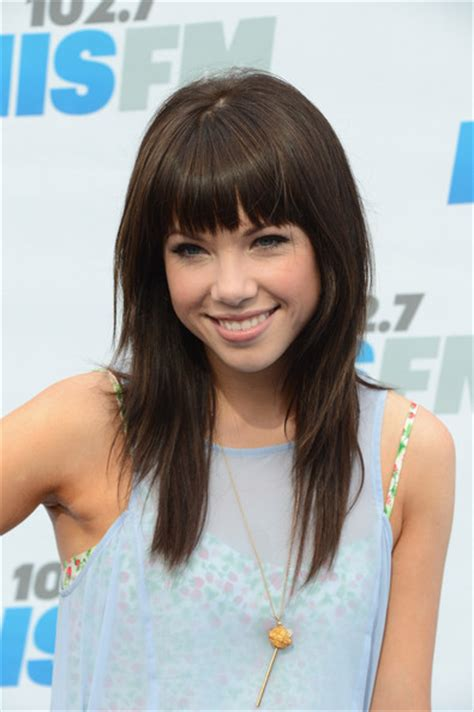 the carly cut carly rae jepsen layered cut carly rae jepsen hair looks