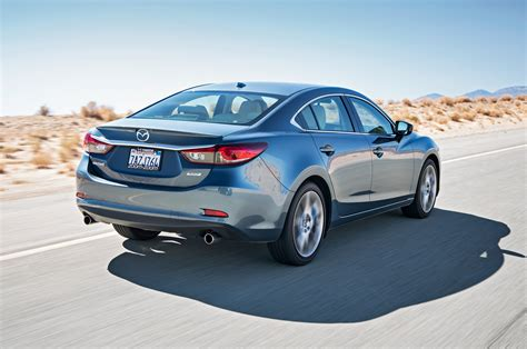 2014 mazda6 gt rear three quarter in motion photo 7