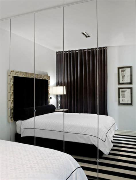 kleiner kleiderschrank mit spiegel 7 hinweise wie das kleine schlafzimmer gr 246 223 er aussehen kann