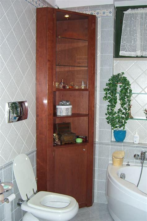 vetrina bagno foto mobile vetrina per bagno in ciliegio di falegnameria