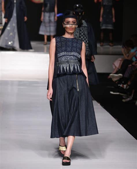 Outer Batik Tumpuk 25 padu padan til stylish dengan kain indonesia
