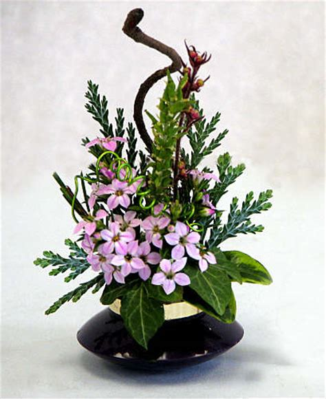 flower arrangements design flower arranging by chrissie harten design 252 a