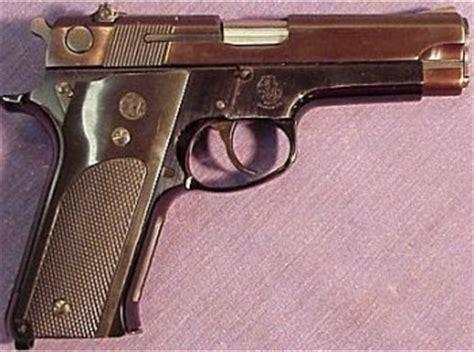 smith&wesson classic semi auto ~ just share for guns