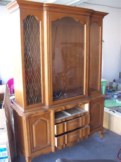 french provincial china cabinet craigslist 17 best images about hutch modern vintage on