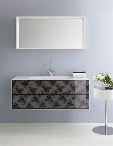 bagni decorati mobiletto da bagno con cassetti decorati con pizzo nero